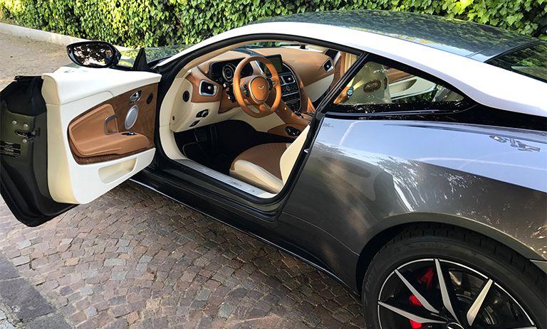 Aston Martin DB11 55